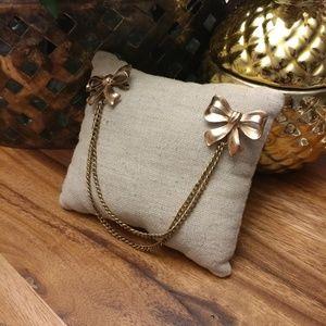 Vintage van dell Gold filled bow sweater brooch